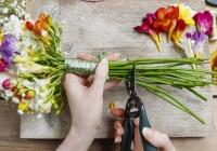 AFACERE ÎNFLORITOARE. Două tinere din Chişinău şi-au deschis o florărie