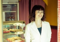 33-летняя молдаванка продала в прошлом году в Румынии плацинд на 600 000 евро