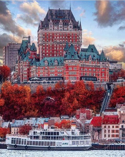 Самый фотографируемый отель мира находится в Канаде