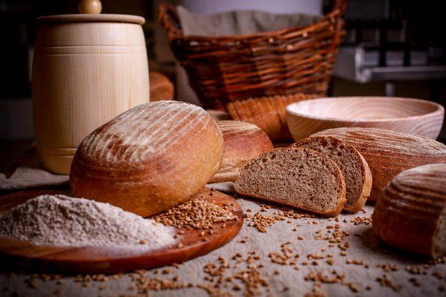 Ремесленный хлеб в Молдове - от 100 леев за кг. Кто его покупает