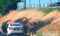 В Украине оштрафовали гражданина Судана, угнавшего и разбившего автомобиль с молдавскими детьми
