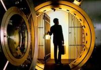 Veniturile din dobânzi şi comisioane – principalul chilipir al bancherilor