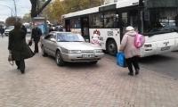 GATA cu maşinile parcate pe trotuar. Precizările făcute de POLIȚIE privind noile reglementări