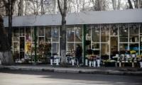 Продавцы цветов с улицы Бодони рассказали о снижении продаж из-за ограничений
