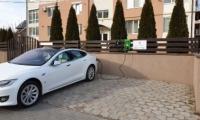 В Кишинёве построили первую заправку для электромобилей от солнечных панелей